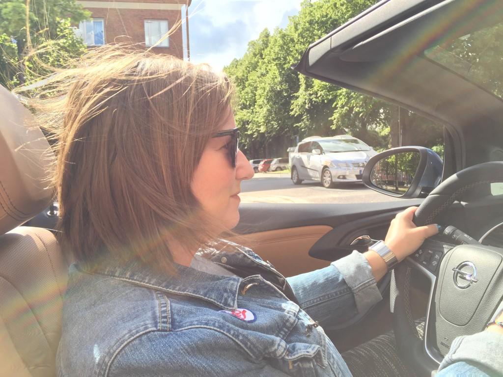 Njuter av en Opel Cab sommaren 2015